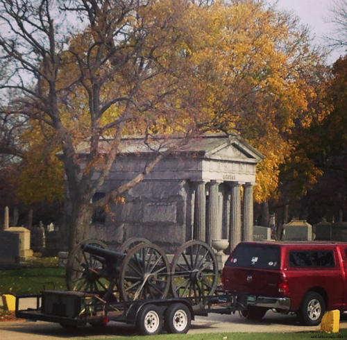 Cannon for Vetrans Day at Rosehill Cemetery Chicago